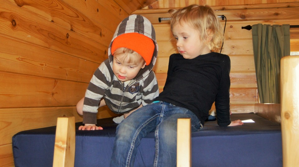kids in cabin